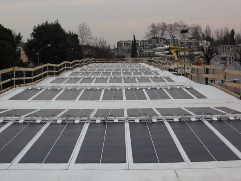 Le strisce del fotovoltaico rimangono all'interno delle sovrapposizioni del Brite