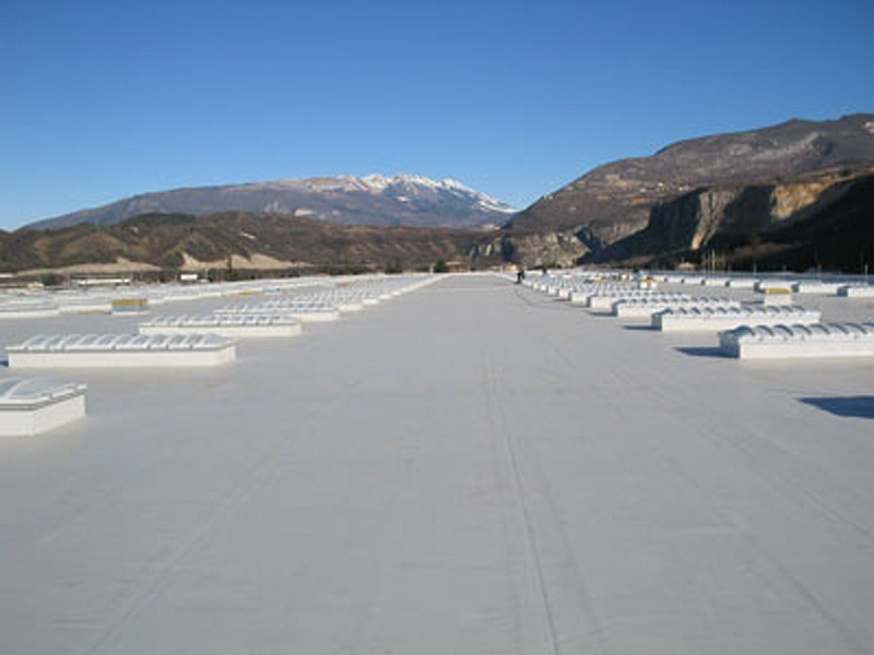 Logistica BMW Italia a Verona, membrana sintetica su copertura in lamiera