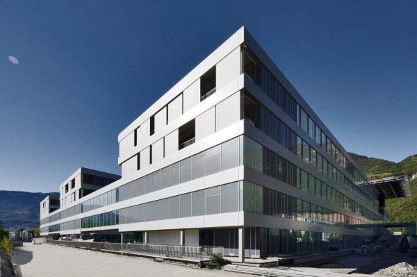 Ospedale di Bolzano - vari pacchetti termoimpermeabili a seconda della copertura